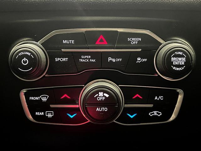 デイトナ392 V型8気筒6400cc 国内未登録車 アップルカープレイ サンルーフ ブレンボ ハーフレザーシート(32枚目)