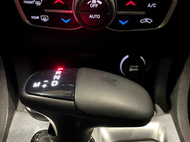 デイトナ392 V型8気筒6400cc 国内未登録車 アップルカープレイ サンルーフ ブレンボ ハーフレザーシート(33枚目)
