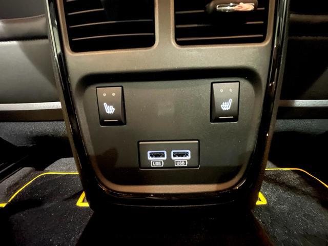 デイトナ392 V型8気筒6400cc 国内未登録車 アップルカープレイ サンルーフ ブレンボ ハーフレザーシート(35枚目)