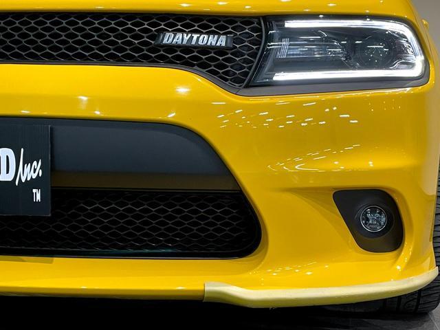 デイトナ392 V型8気筒6400cc 国内未登録車 アップルカープレイ サンルーフ ブレンボ ハーフレザーシート(45枚目)