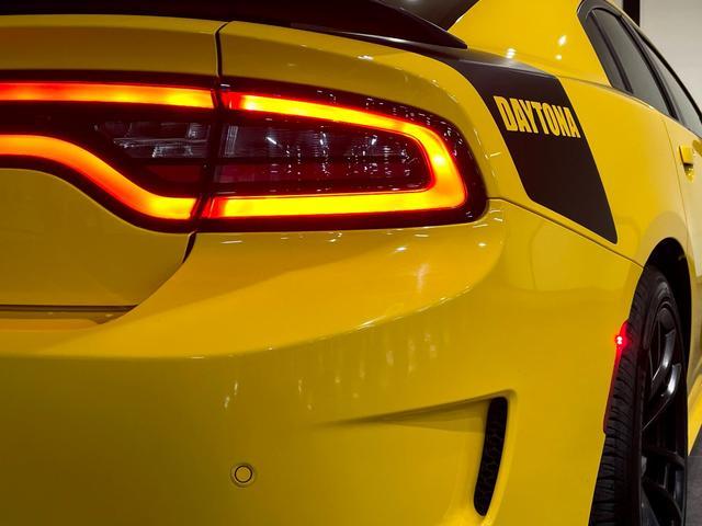 デイトナ392 V型8気筒6400cc 国内未登録車 アップルカープレイ サンルーフ ブレンボ ハーフレザーシート(56枚目)
