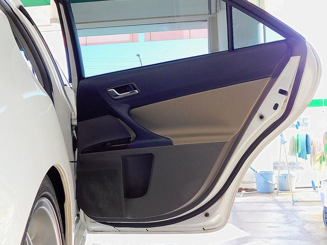 250G リラックスセレクション モデリスタエアロ ブリッツ車高調 外品17インチアルミホイール カロッツェリアSDナビゲーション フルセグテレビ バックモニター 柿本マフラー(33枚目)