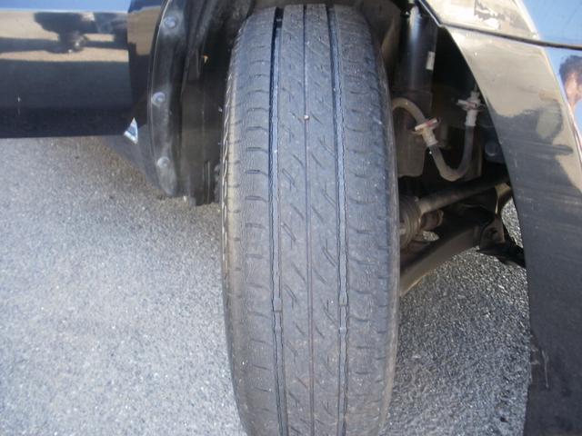 タイヤ残り溝5分山あります◎