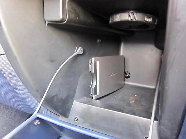 プジョー プジョー 1007 1.6 両側パワースライド CDチューナー キーレス ETC