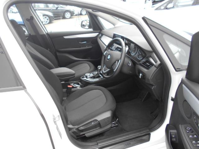 BMW BMW 218iグランツアラー