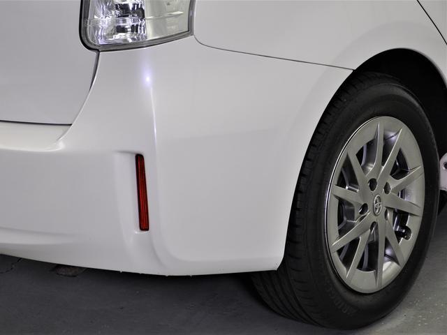 ハーフレザーシート・8インチHDD・ナビ・地デジ・バックカメラ・ETC・LEDヘッドライト・革巻きステアリングなどの装備がついています☆ワンオーナー車☆