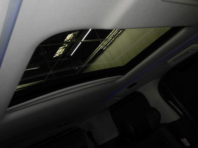 2.5S Cパッケージ サンルーフ フルセグ メモリーナビ DVD再生 ミュージックプレイヤー接続可 バックカメラ 衝突被害軽減システム ETC 両側電動スライド LEDヘッドランプ 乗車定員7人 3列シート(17枚目)