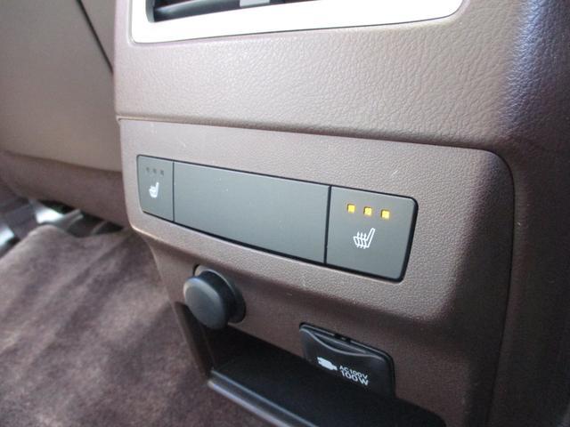 リアシートにもシートヒーターが御座います