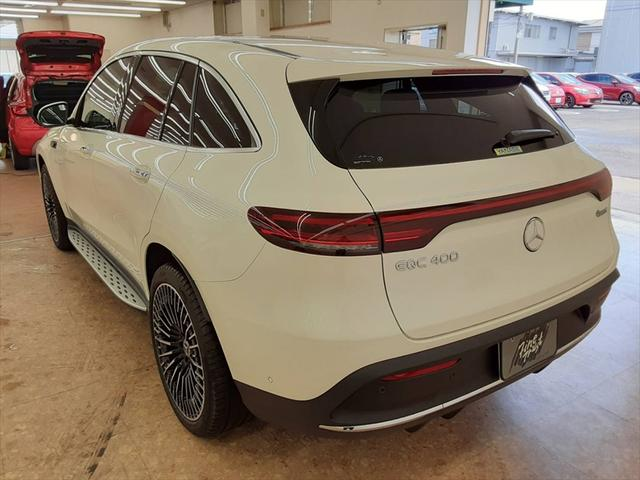 EQC400 4マチック AMGライン ユーザー買取車 4WD サンルーフ 本革黒シート シートエアコン HUD レーンアシスト 衝突防止装置 レーダークルーズ シートヒーター パワーシート 純正21インチアルミホイール 充電ケーブル有(9枚目)