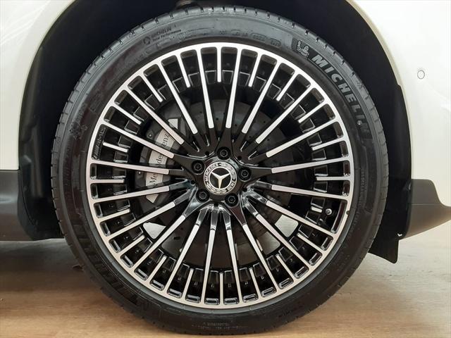 EQC400 4マチック AMGライン ユーザー買取車 4WD サンルーフ 本革黒シート シートエアコン HUD レーンアシスト 衝突防止装置 レーダークルーズ シートヒーター パワーシート 純正21インチアルミホイール 充電ケーブル有(13枚目)