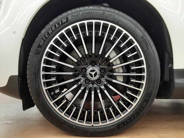 EQC400 4マチック AMGライン ユーザー買取車 4WD サンルーフ 本革黒シート シートエアコン HUD レーンアシスト 衝突防止装置 レーダークルーズ シートヒーター パワーシート 純正21インチアルミホイール 充電ケーブル有(14枚目)
