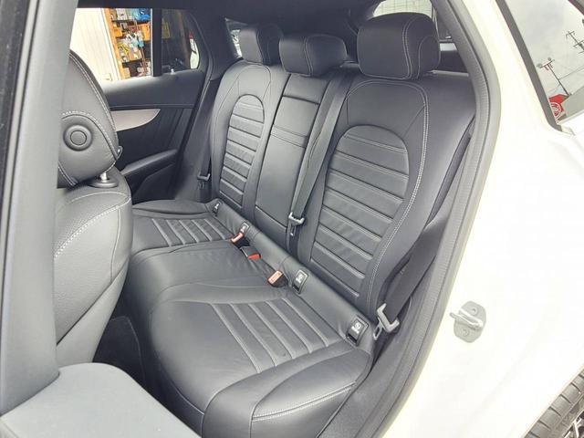 EQC400 4マチック AMGライン ユーザー買取車 4WD サンルーフ 本革黒シート シートエアコン HUD レーンアシスト 衝突防止装置 レーダークルーズ シートヒーター パワーシート 純正21インチアルミホイール 充電ケーブル有(21枚目)