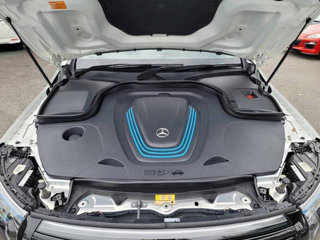 EQC400 4マチック AMGライン ユーザー買取車 4WD サンルーフ 本革黒シート シートエアコン HUD レーンアシスト 衝突防止装置 レーダークルーズ シートヒーター パワーシート 純正21インチアルミホイール 充電ケーブル有(50枚目)