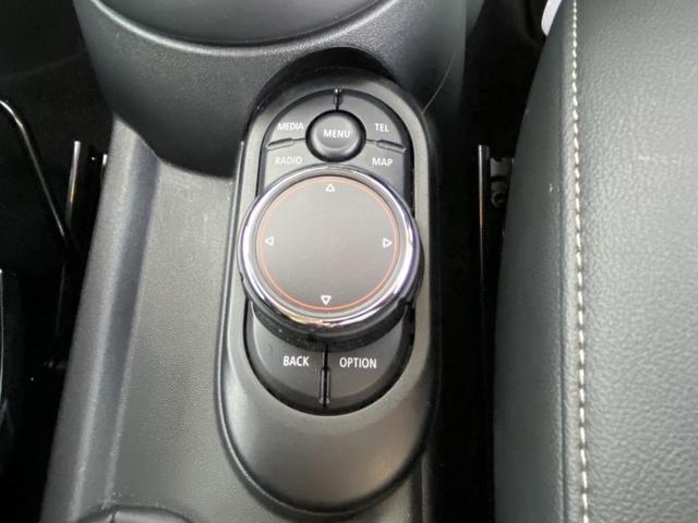 クーパーD 本革黒シート 純正HDDナビ バックカメラ シートヒーター プッシュスタート スマートキー ETC LEDヘッドライト フォグランプ アイドリングストップ Bluetooth(29枚目)