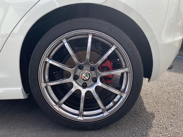 ※アルファロメオ フィアット アバルト車オーナーの皆様だけに、「ボディ」「ガラス」「タイヤ」などを補償するオリジナルサービス「FCAプレミアムプラス」を無償付帯!安心の体制でサポート。※別途費用※