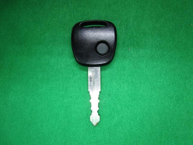 ランドベンチャー 4WD 5MT 社外ナビ ワンセグTV ワンオーナー シートヒーター コンビシート 純正16インチアルミ キーレスエントリー ターボ車 電動格納ミラー DVD再生 純正マット ドアバイザー(3枚目)