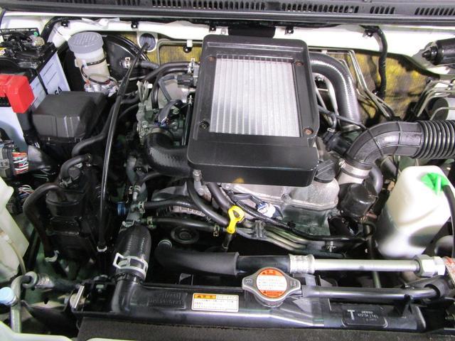 ランドベンチャー 4WD 5MT 社外ナビ ワンセグTV ワンオーナー シートヒーター コンビシート 純正16インチアルミ キーレスエントリー ターボ車 電動格納ミラー DVD再生 純正マット ドアバイザー(20枚目)