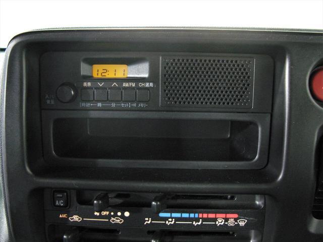 販社限定車 ベースグレードスペシャル キーレスエントリー 純正AMFMラジオ(2枚目)