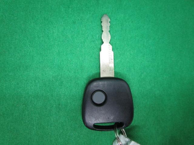 ハイブリッドFX 純正CDオーディオ 運転席シートヒーター キーレスエントリー アイドリングストップ 電動格納ミラー(2枚目)