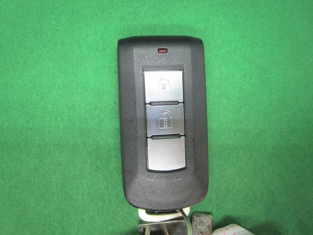 Gセーフティパッケージ 社外ナビ フルセグTV 全方位カメラ 衝突軽減ブレーキ LEDオートライト コンビシート パワーシート シートヒーター 純正18AW レーダークルーズコントロール ETC DVD再生 ブルートゥース(4枚目)