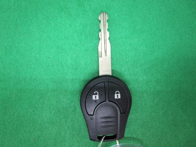 S キーレスエントリー 電動格納ミラー 両席エアバッグ アンチロックブレーキ 横滑り防止機能(3枚目)