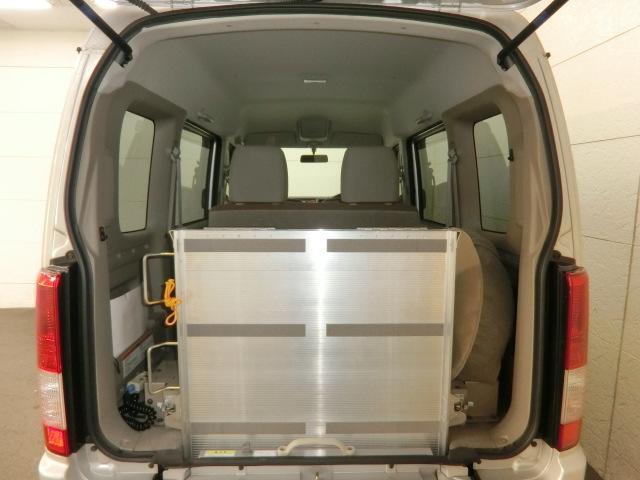 スズキ エブリイワゴン 車椅子移動車 リアシート装着車 スローパー 電動ウインチ