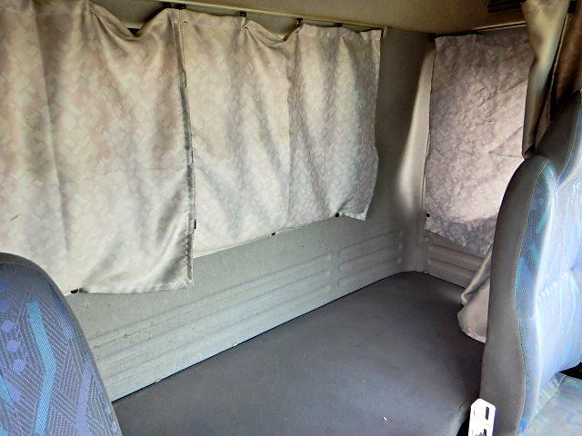 いすゞ フォワード 4段クレーン ラジコン付  3t積 6速 ベッド付
