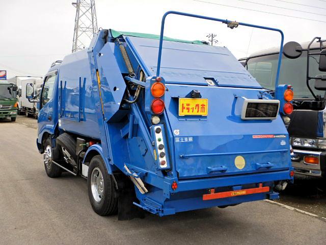 日野 デュトロ パッカー車 プレス式 ダンプ排出 4.8立米  2t AT