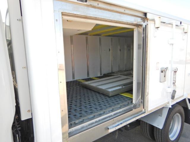 DPD(排ガス浄化装置) HSA(坂道発進補助装置) 装備です。