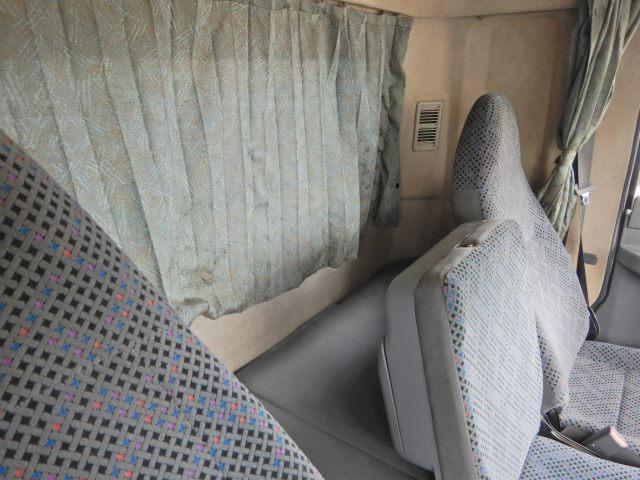 4段クレーン 平 ラジコン付 2.35t積 3人乗 ベッド付(15枚目)