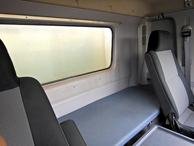 冷蔵冷凍車-30℃ Pゲート 増t サイドドア ベッド MT(15枚目)