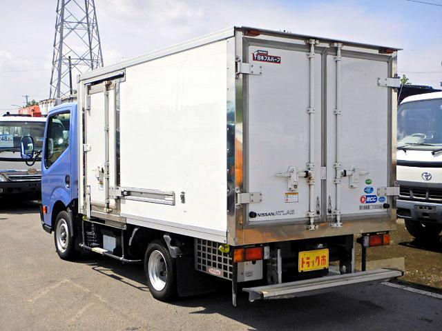 冷蔵冷凍車-30℃ 保冷室有り 2室式 サイドドア 5MT(5枚目)