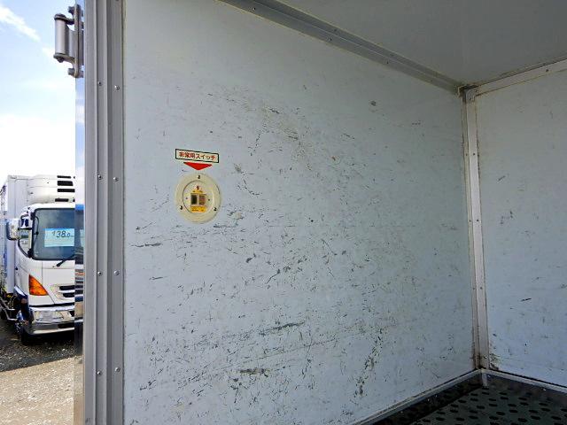 冷蔵冷凍車-30℃ 保冷室有り 2室式 サイドドア 5MT(8枚目)