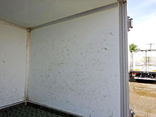 冷蔵冷凍車-30℃ 保冷室有り 2室式 サイドドア 5MT(9枚目)