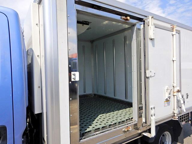 冷蔵冷凍車-30℃ 保冷室有り 2室式 サイドドア 5MT(10枚目)