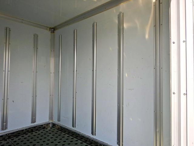 冷蔵冷凍車-30℃ 保冷室有り 2室式 サイドドア 5MT(12枚目)