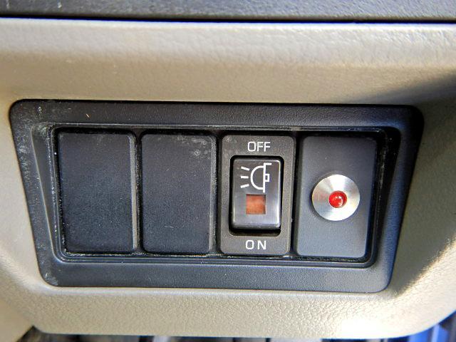 冷蔵冷凍車-30℃ 保冷室有り 2室式 サイドドア 5MT(20枚目)