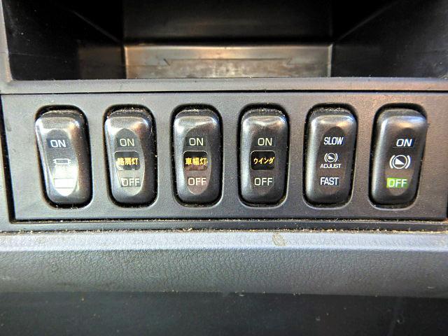 アルミウイング 増t 750ワイド エアサス ベッド付 MT(17枚目)