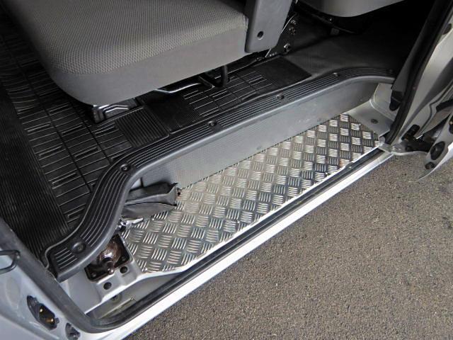 ロングDX GLパッケージ ディーゼル車 9人乗り 4ドア(13枚目)