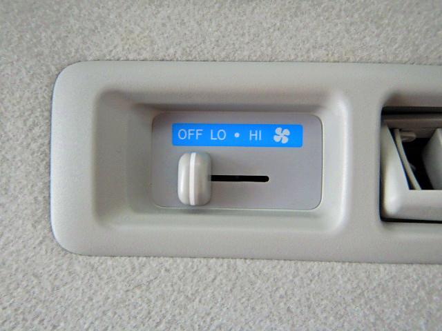 ロングDX GLパッケージ ディーゼル車 9人乗り 4ドア(17枚目)