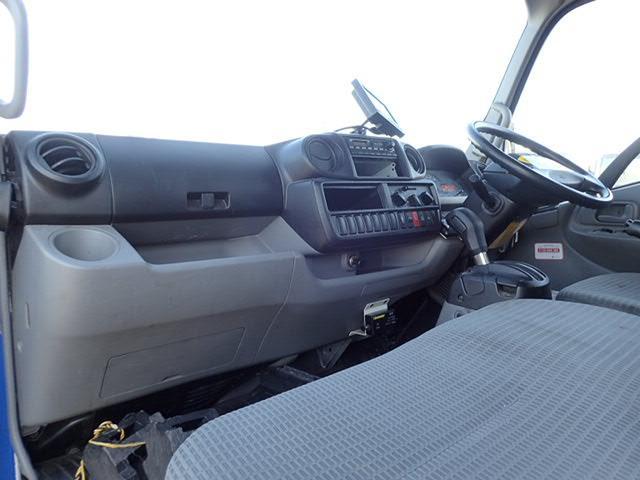 2トン ボトルカー AT車 全低床 バックカメラ ターボ付(19枚目)