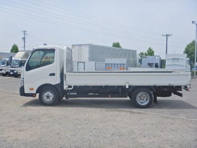 2トン ワイドロング 平ボディ 5MT 4WD 全低床(4枚目)