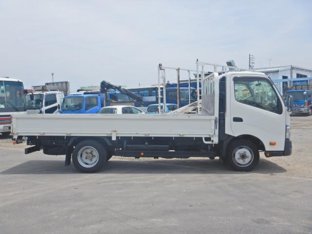 2トン ワイドロング 平ボディ 5MT 4WD 全低床(5枚目)