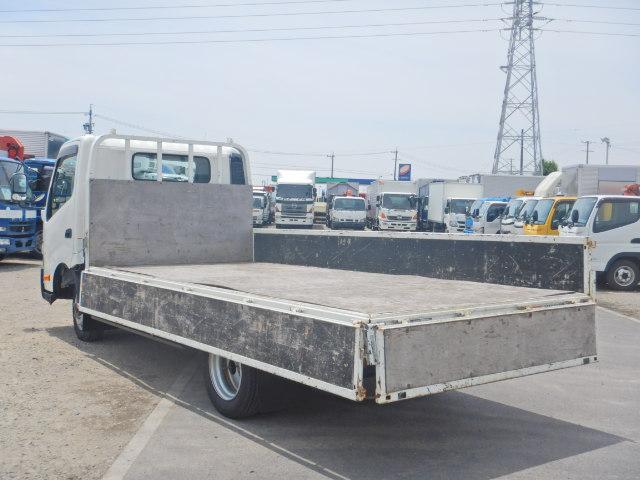 2トン ワイドロング 平ボディ 5MT 4WD 全低床(8枚目)