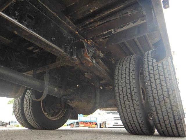 2トン ワイドロング 平ボディ 5MT 4WD 全低床(14枚目)