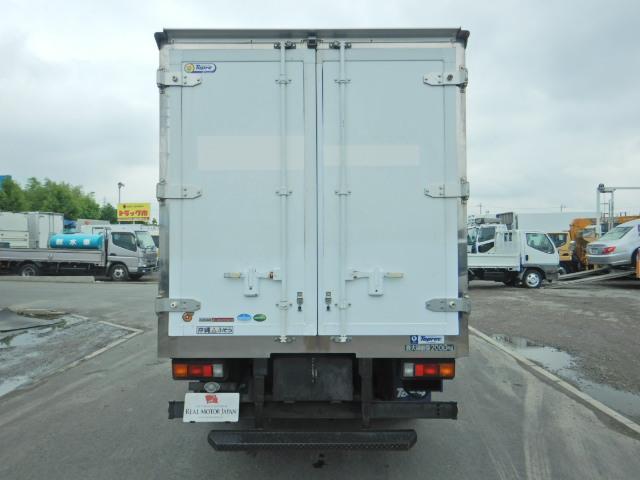 最大積載量:2000kg・車輌総重量:5295kg