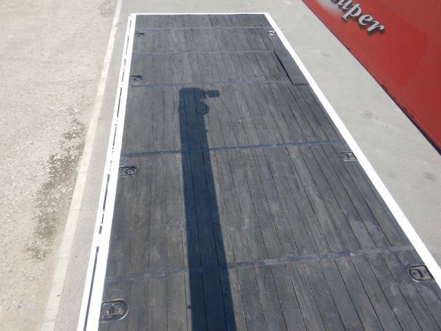 4段クレーン付き 増トン 7.6t ラジコン付き ベッド付き(11枚目)