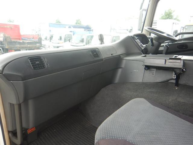 冷蔵冷凍車 2デフ4軸低床 総輪エアサス 12t積(13枚目)