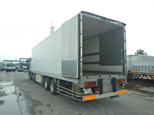 冷蔵冷凍車 2デフ4軸低床 総輪エアサス 12t積(16枚目)