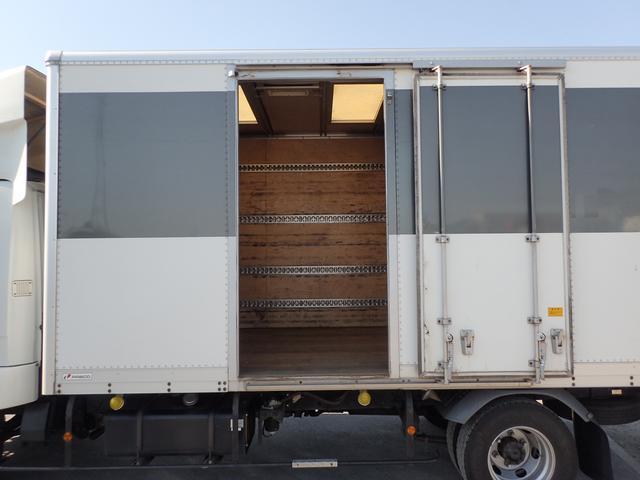 パネルバン 3t パワーゲート付き リアエアサス ベッド付き(2枚目)